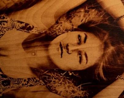 портрет на дереве на заказ в Пензе